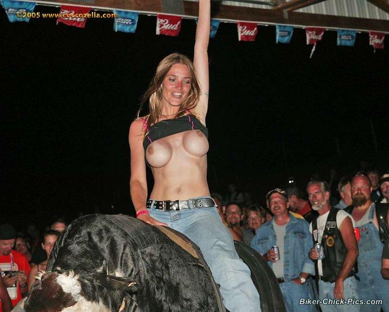 topless-mechanical-bull-riding-drunk-virgins